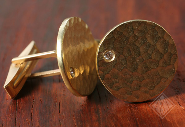 0018_Tracy_Matthews_Gold_Cufflinks