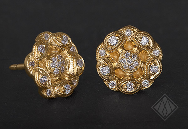 0048_Tracy_Matthews_vintage_flower_earrings